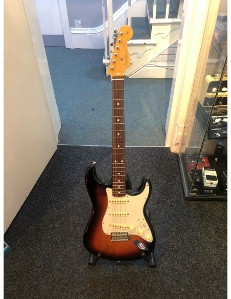 Fender Classic Series '60s Stratocaster Electric Guitar - 3 Tone Sunburst - Pre-Loved (Good Condition)