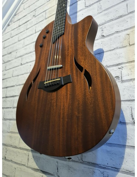 Taylor T5 Classic Hybrid Electric Acoustic Guitar - Pre-Loved: (Okay Condition)