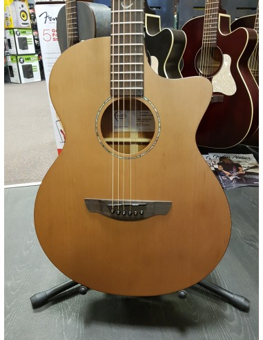 Taylor 914CE V-Class Grand-Auditorium Electro-Acoustic Guitar